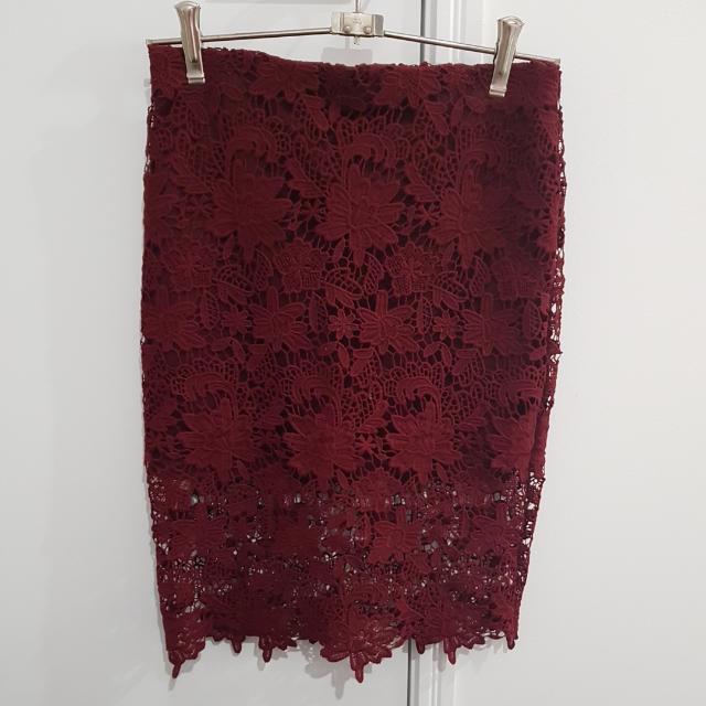 Sz 8 Maroon Skirt