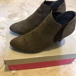 Miss Sofi麂皮踝靴