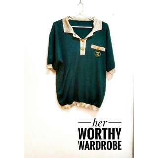 Life won't sparkle unless you do. So wear this gold glittered collar green top for only 85pesos.