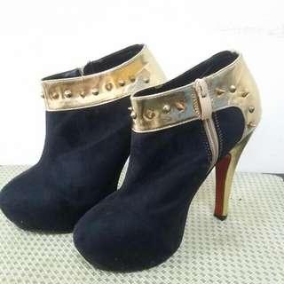 鉚釘麂皮跟鞋36