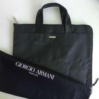 全新 Giorgio Armani 電腦袋