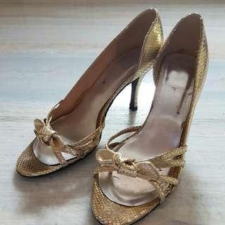 Sepatu Wanita Heels 7 Cm Size 39, Warna Emas