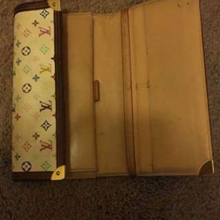 Luis Vuitton White Vintage Wallet