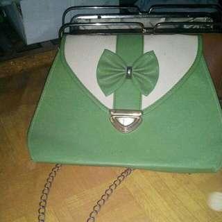 Sling Bag Hijau (Barter/Beli)