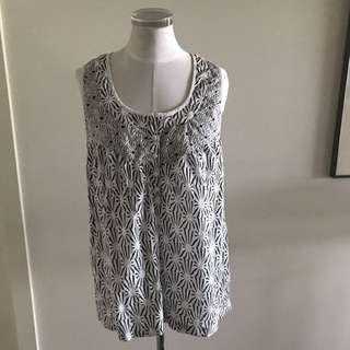 SIZE 10 FRENCH CONNECTION White Swing Top