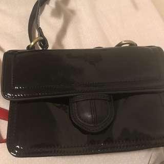CUE Handbag Shiny