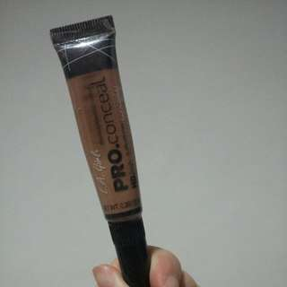 LA Girl Pro Concealer Medium BEIGE - Preloved