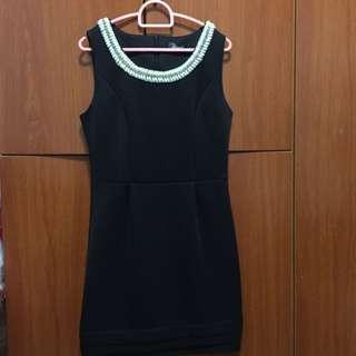 FREE: Black Color Dress