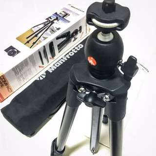 (BNIB) Manfrotto Compact Light Tripod
