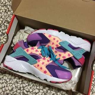 Nike女性慢跑鞋 Huarache Run Print (gs) 特別版武士鞋