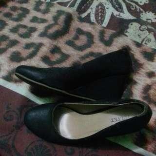 Sepatu Zalora ( VELVET) No.39