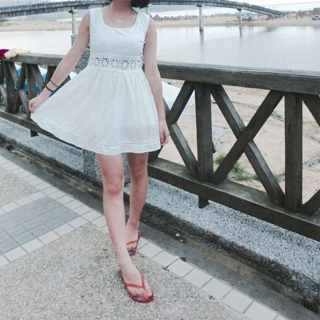 純白鏤空小洋裝 #一百元洋裝