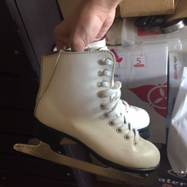 CCM Figure Skating Shoes