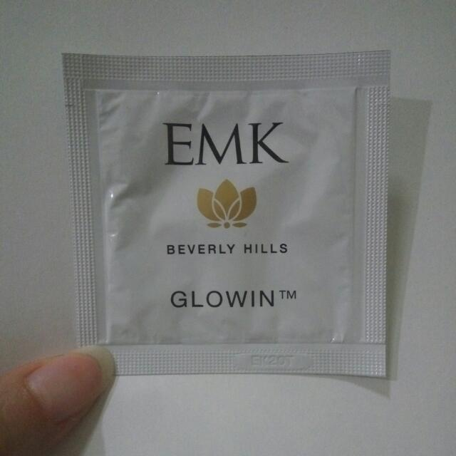 EMK Glowin Tinted Cream Original