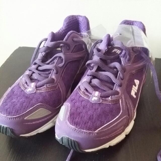 Fila Sneakers Size 7-7.5