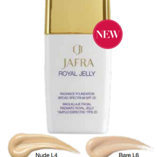Foundation Royal Jelly Broad Spectrum SPF 20