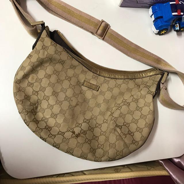 Gucci 斜背包