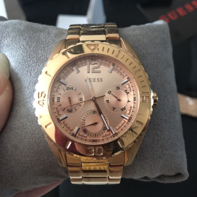 GUESS WATCH In Rose Gold