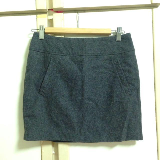 H&M深灰色毛呢短裙