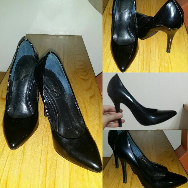 Janeo Black Shoes