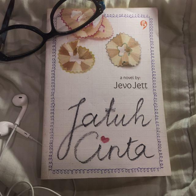 Jatuh Cinta (novel by Jevo Jett)