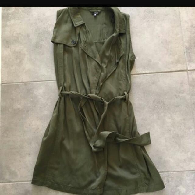 #justaddsugar #wrapdress #olivegreen #dress. #armygreen #vest. #size8 - #size10. Never worn