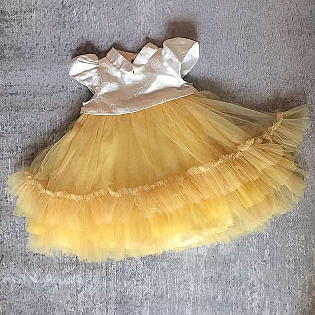 Kakapo Dress With Chinese Collar And Pretty Tulle Skirt In Ivory & Yellow - Dress Cantik Dengan Kerah Chinese Dan Rok Tile Warna Putih Gading Dan Kuning Merek Kakapo