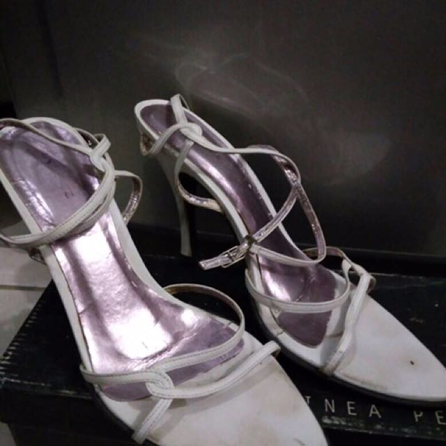 Linea Pelle While Heels