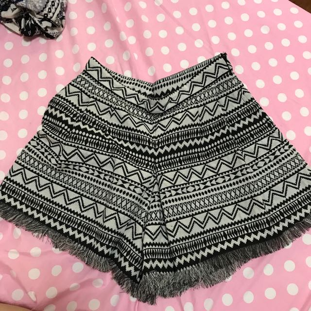 Lofee 圖騰短褲