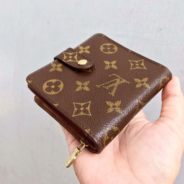 Louis Vuitton Zippy Compact (Vintage)