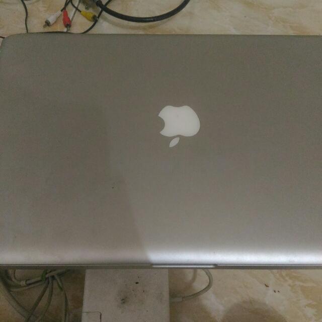 Mac Book Pro 15 Inch Late 2008 Model