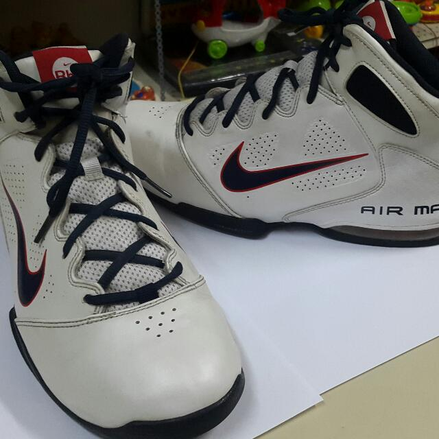 new concept 5d6cb b1ae5 Nike air max Bb real deal Basketball Shoes, Men s Fashion, Footwear on  Carousell