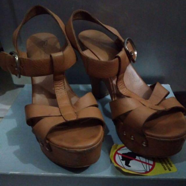 Riviera Brown Heels