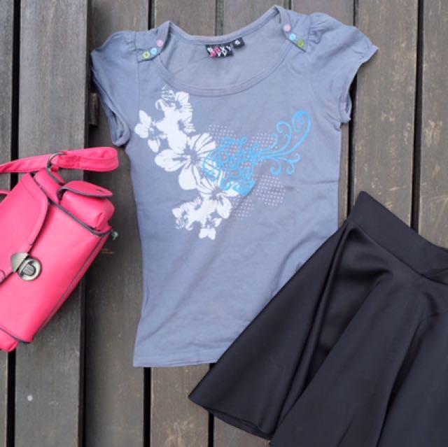 Roxy T-shirt And Black Skirt