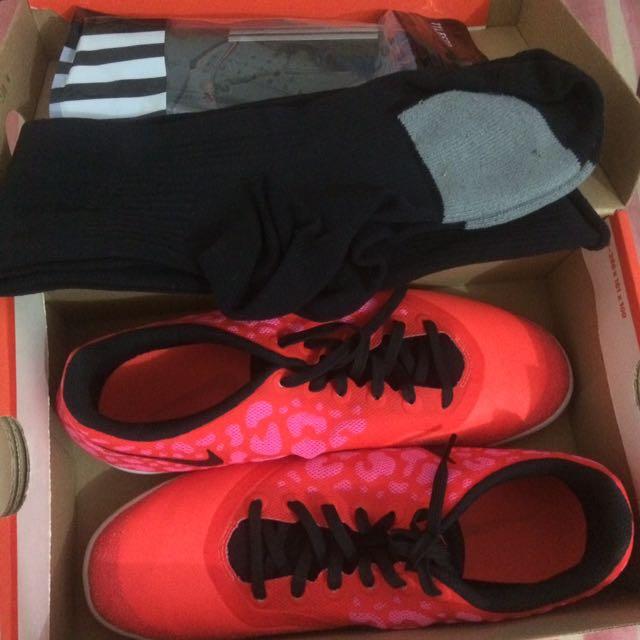 Sepatu Futsal Wanita Nike Elastico Pro II