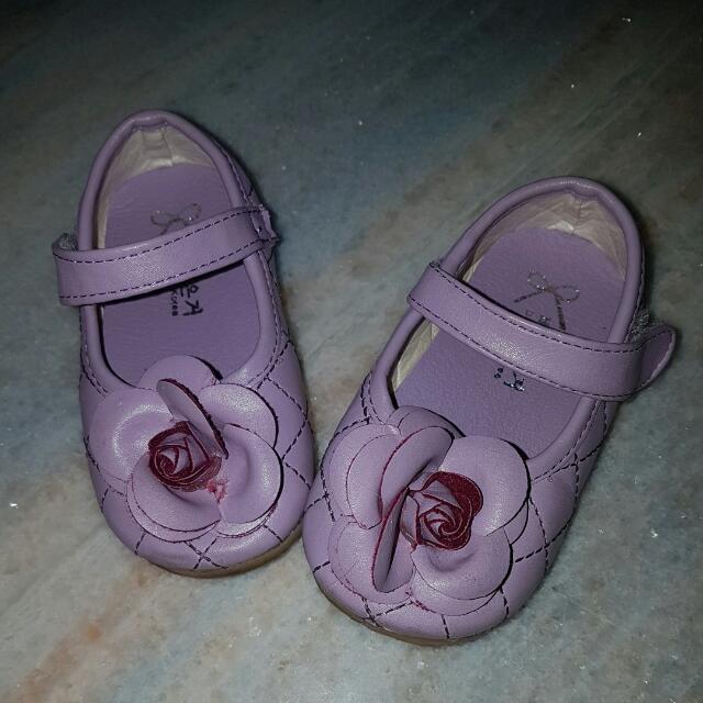 Sepatu Pesta Anak Perempuan Bunga Ungu