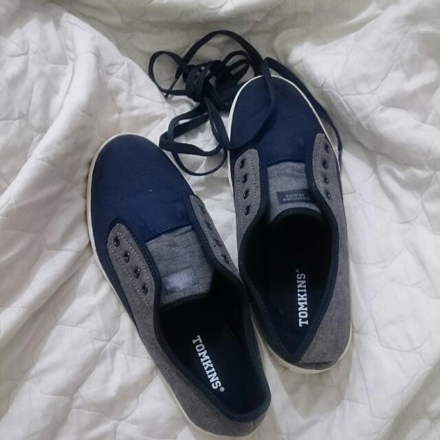 Sepatu Sneakers TOMKINS