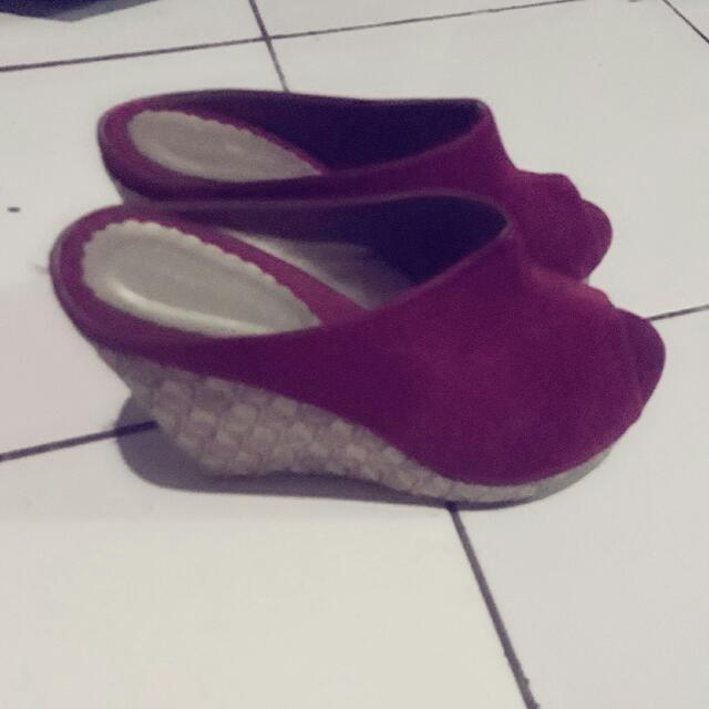 Sepatu Wedges Yongki Komaladi