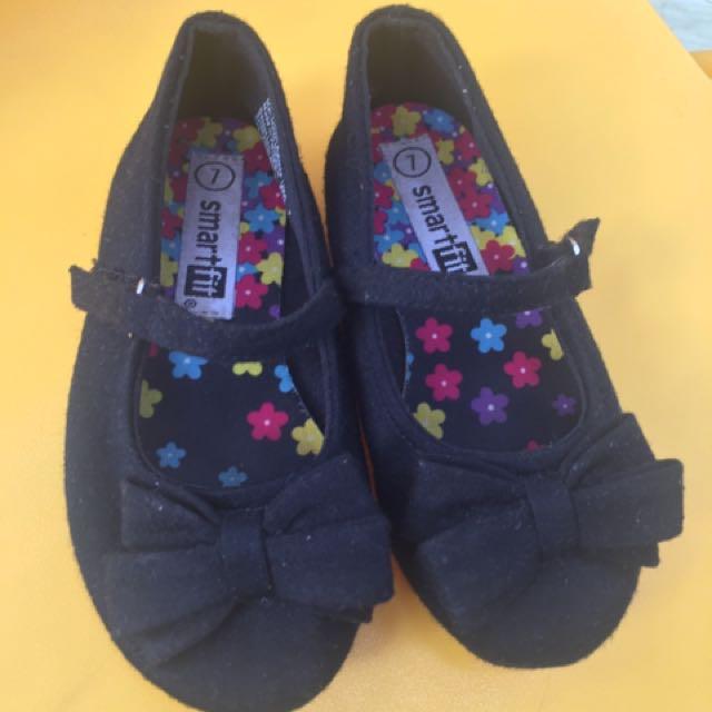 Sepatu Smart Fit, Payless