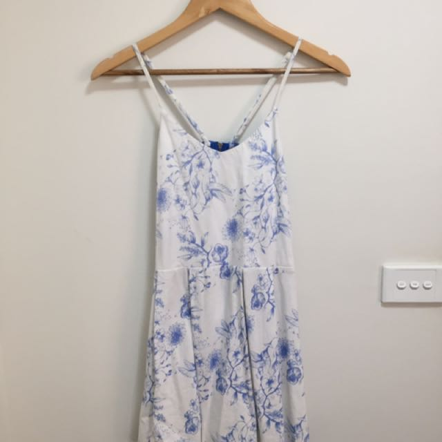 White And Blue Floral Drss