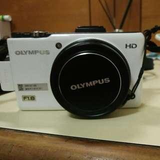 Olympus F1.8