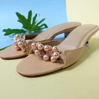 Beige Pearl Sandal Selop