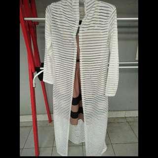 Outer Putih Stripe Panjang