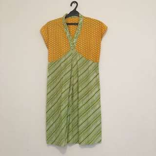 Batik Garutan Yellow And Green Dress