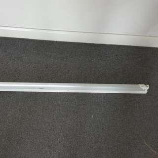 LED Lamp The length is 122 cm.