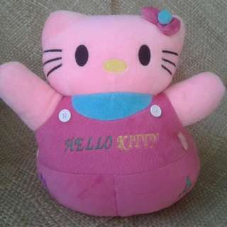 Boneka Kursi Hello Kitty