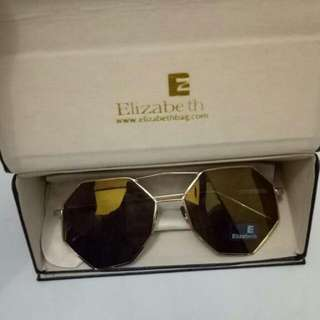 Kacamata Merk Elizabeth