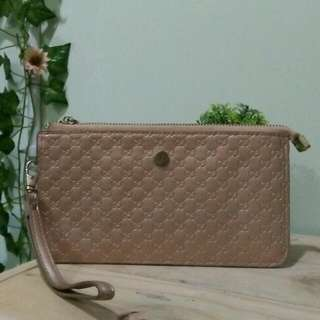 Gucci Wallet (not Authentic)