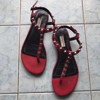 Balenciaga 卯釘涼鞋