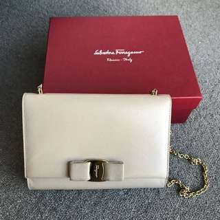 AUTHENTIC SALVATORE FERRAGAMO MISS VARA CROSSBODY BISQUE NUDE